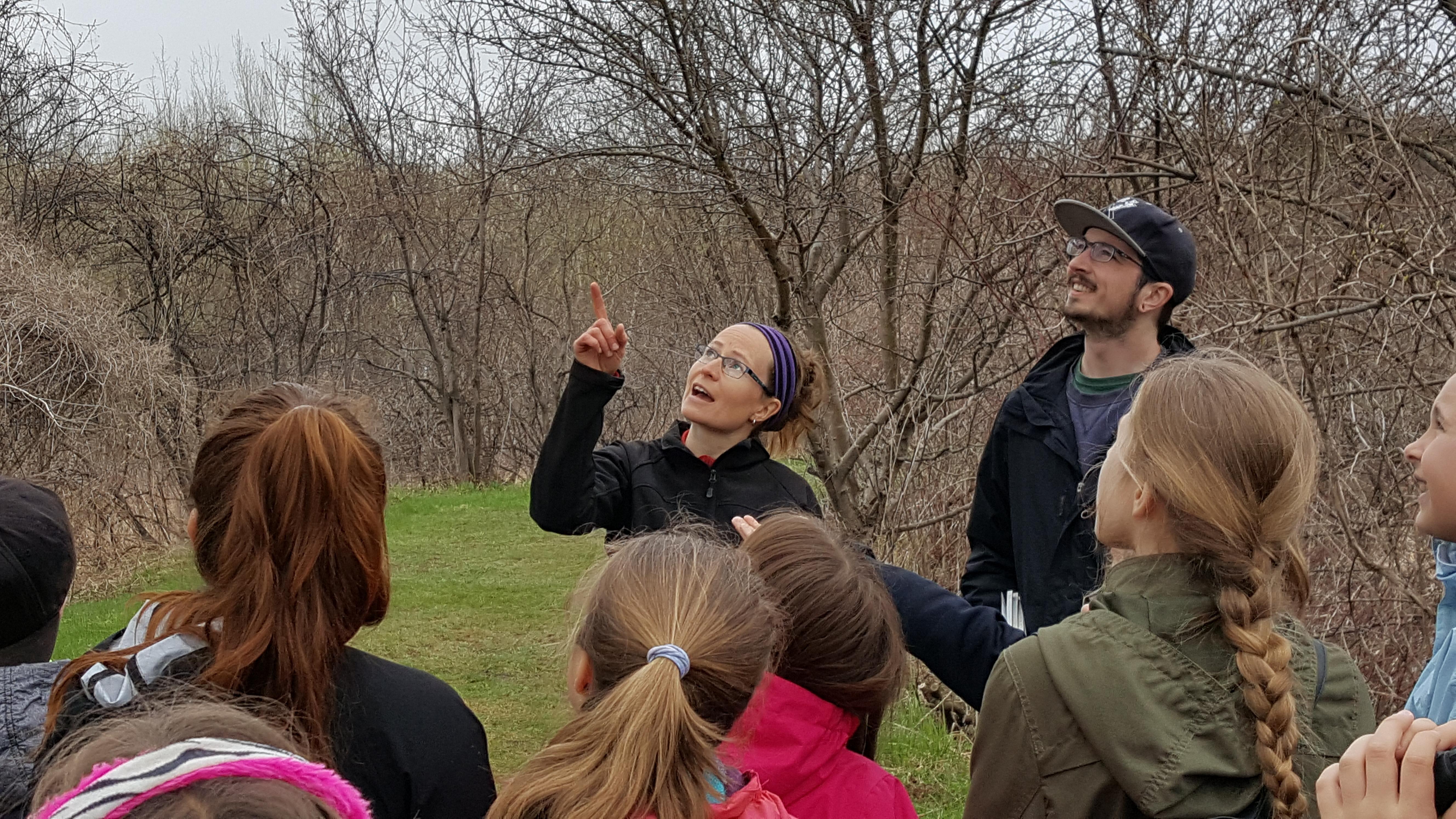 Événement provincial du 24 heures de science avec les élèves de l'École St-Joseph de Lévis le 12 mai 2017 à la Réserve naturelle du Marais-Léon-Provancher (Photo: Elisabeth Bossert)