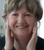 Mme Huguette Carretier