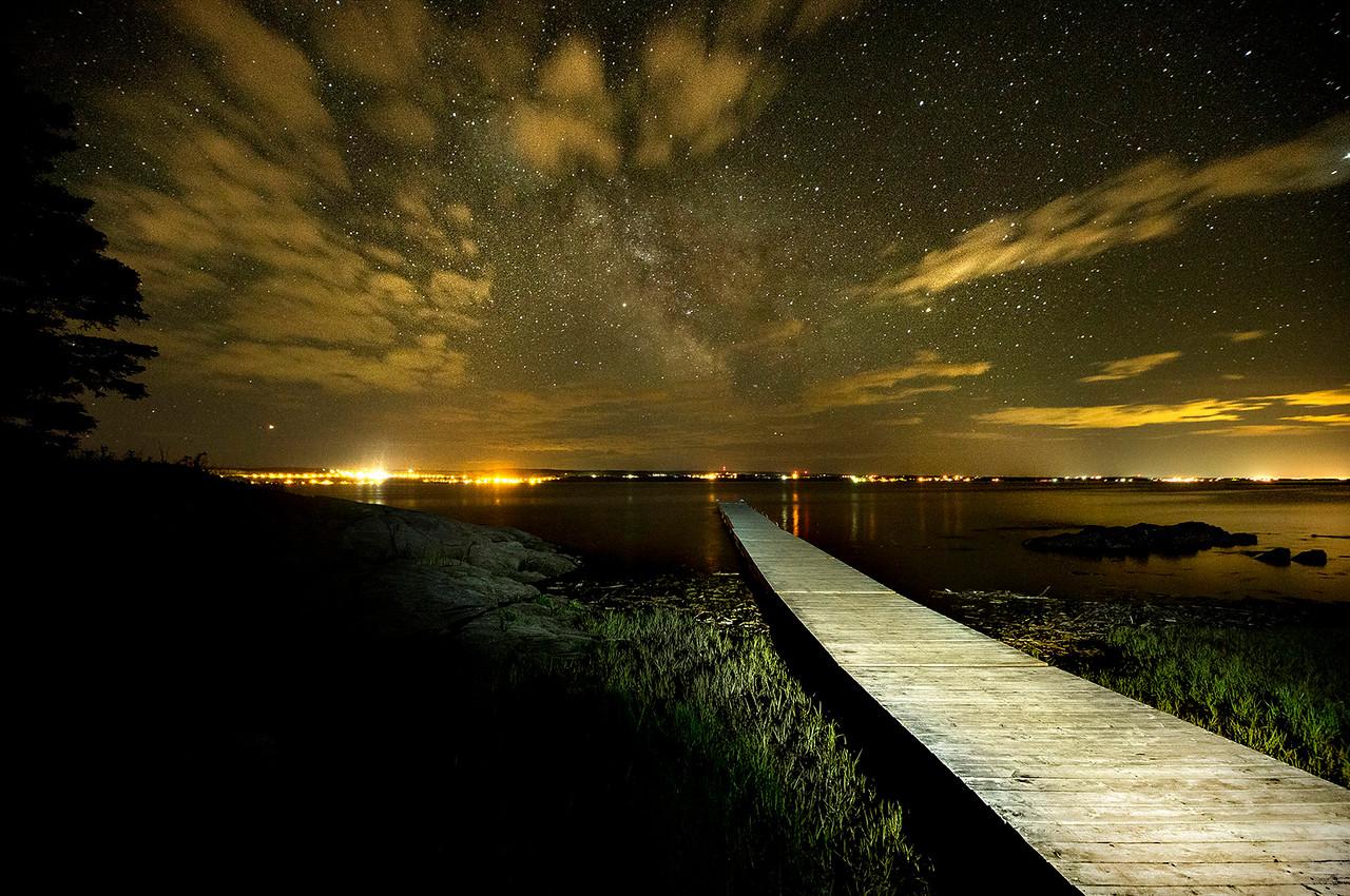 L'île aux Basques sous les étoiles. Photo : Claude Côté.