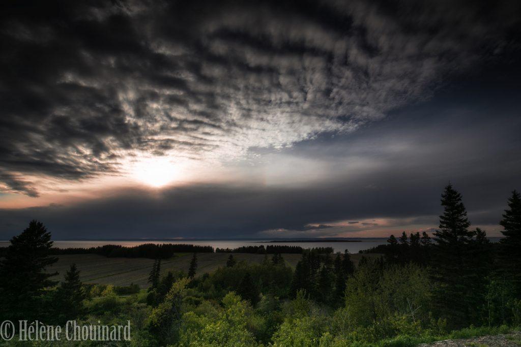 Ciel abstrait à l'Île aux Basques. Crédit photo: Hélène Chouinard