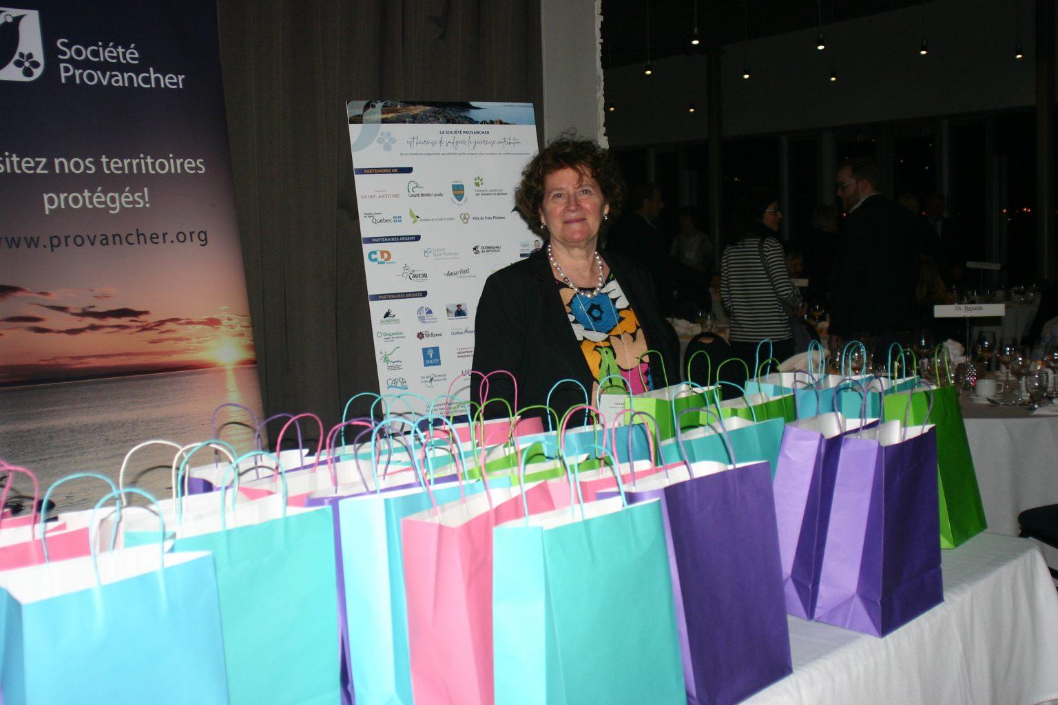 Mme Lucie Aubin, responsable des prix remis aux bénévoles. Photo: Marianne Kugler.