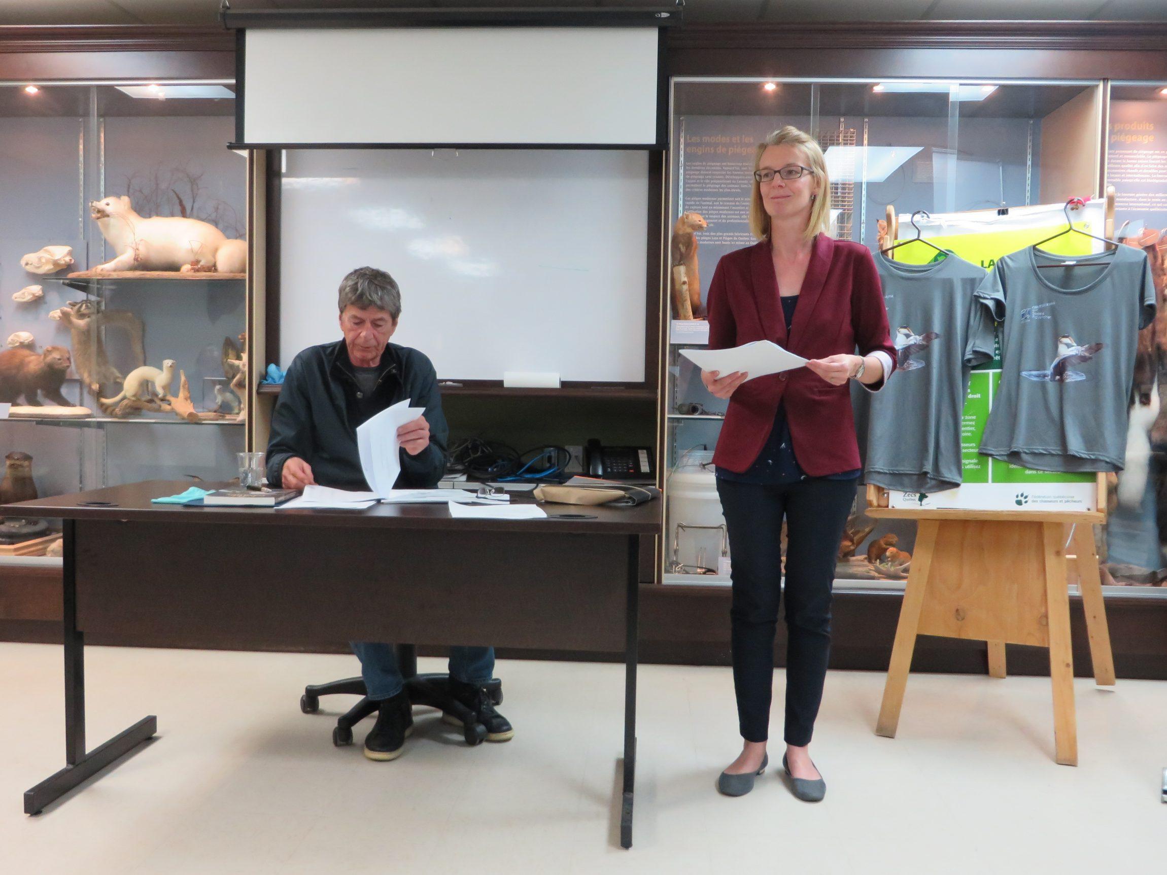Mme Evelyn O'Farrel de la firme de comptables Aubé, Anctil, Pichette & Associés a présenté le rapport de mission d'examen pour l'année 2018. Photo : Réhaume Courtois