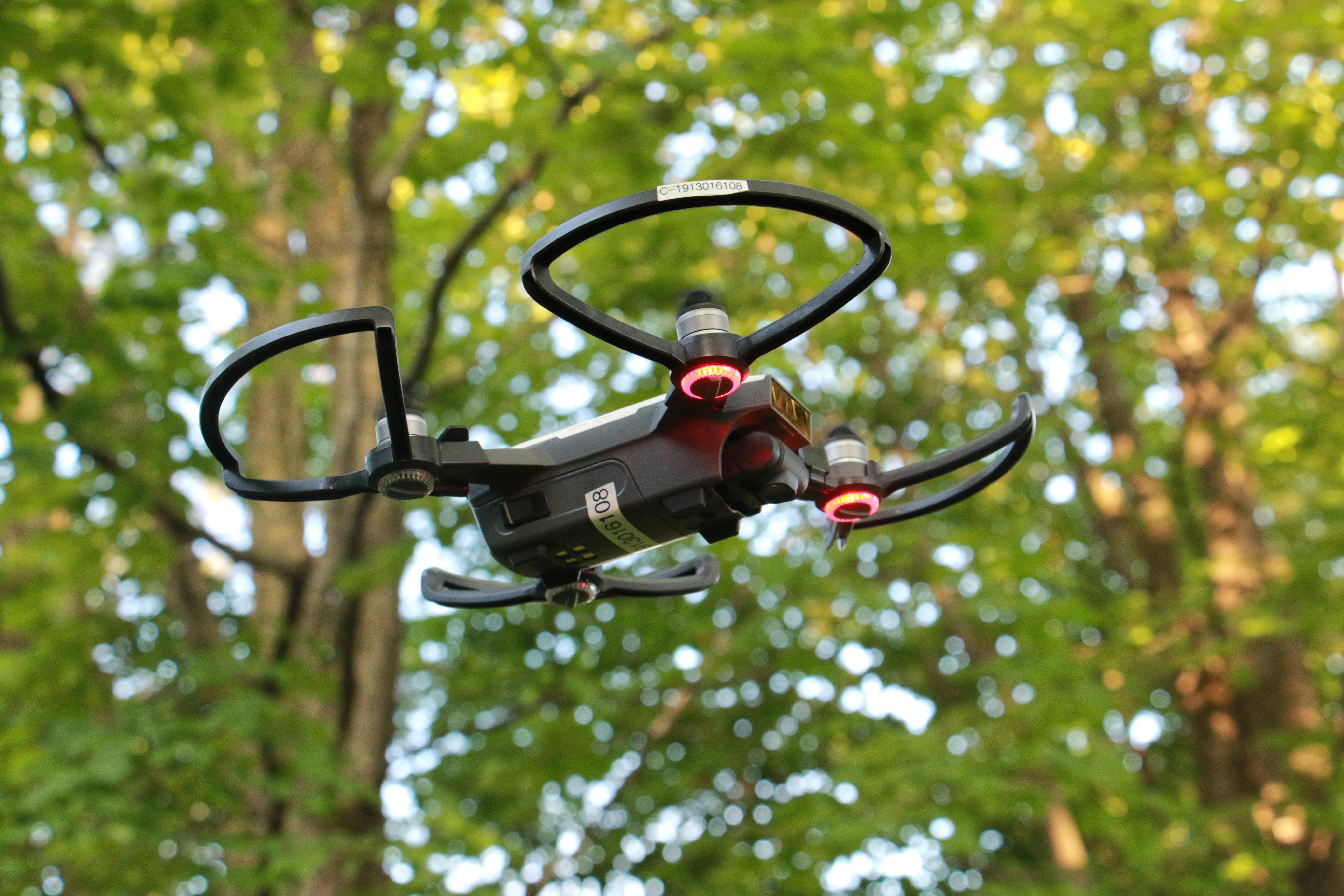 Drone utilisé pour les inventaires du grand héron à l'île aux Basques en mai 2018 et 2019. Photo : Pierre Laporte