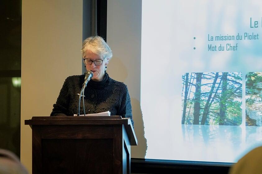 Mme Élisabeth Bossert, vice-présidente, en charge de l'animation lors de la soirée-reconnaissance des bénévoles de la Société Provancher, le 20 février 2020. Photo : Nathalie Thivierge.