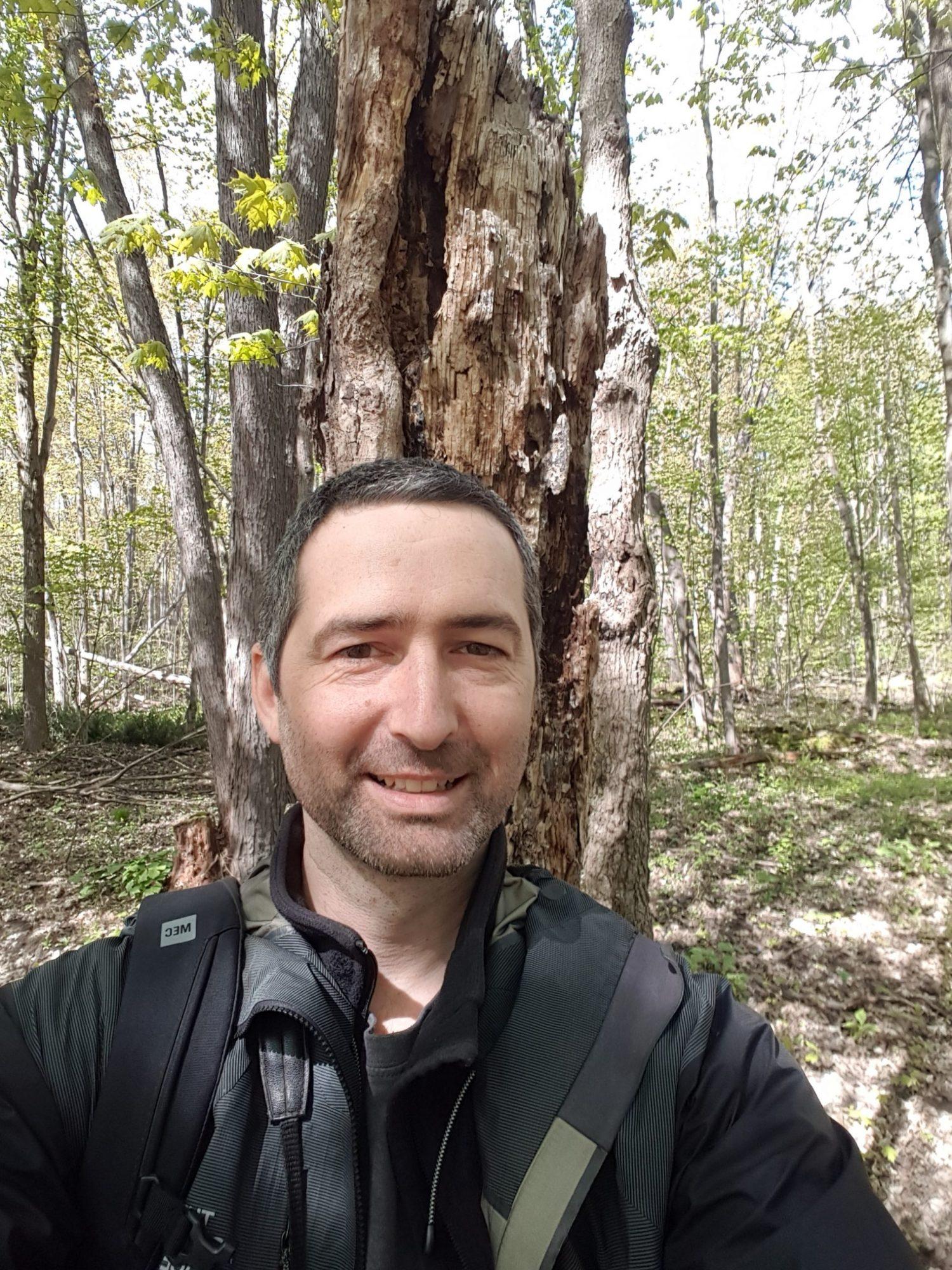 Philippe Cadieux sera le conférencier invité le 15 octobre 2021 pour nous entretenir de l'importance des arbres sénescents ou morts pour la diversité forestière.