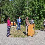 Le président de la Société Provancher, M. Daniel St-Onge, s'adressant aux participants lors de l'inauguration du nouveau pavillon d'accueil à la réserve naturelle du Marais-Léon-Provancher, le 18 août 2021.